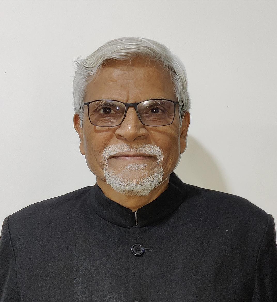 Dr. G G Saxena